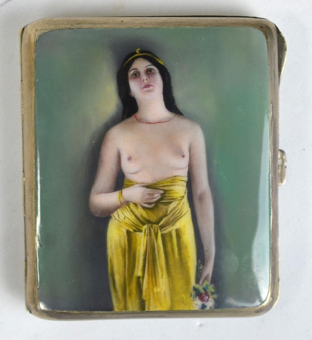 Snuff Box of Semi Nude Standing Girl