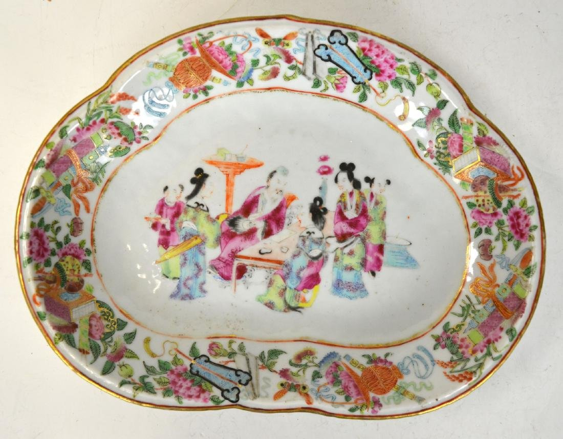 Chinese Rose Medallion Plate (Half Shaped)