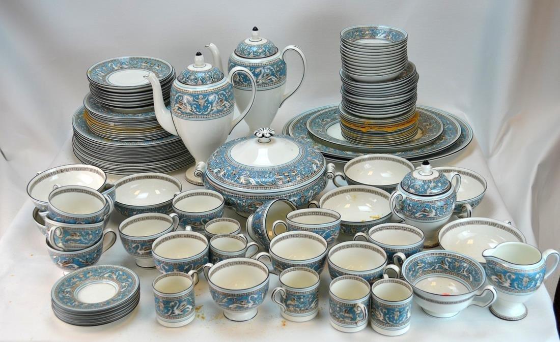 Wedgwood 105-pc Florentine Porcelain Dinner Set