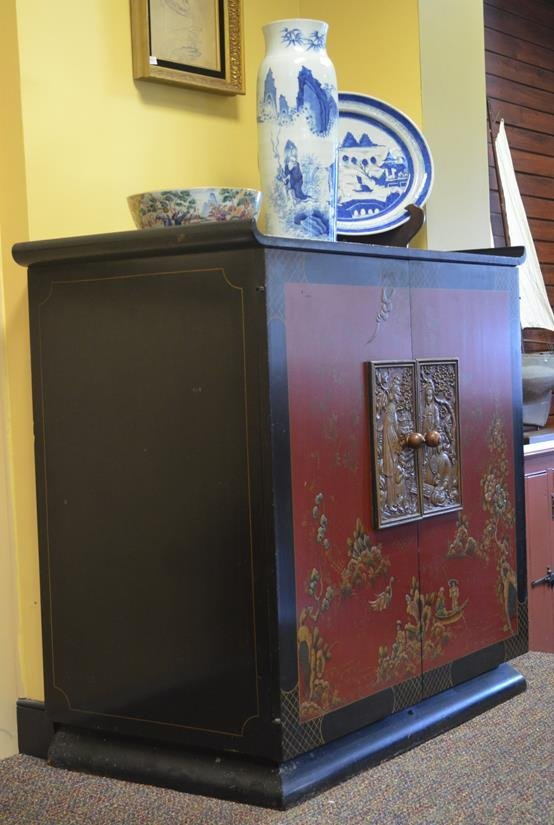 Chinese 2-door Lacquer Cabinet