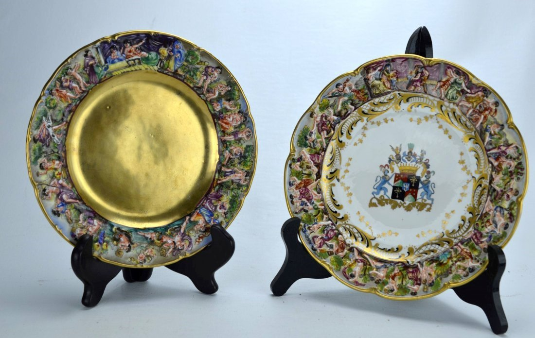 CAPODIMONTE Pair of plates