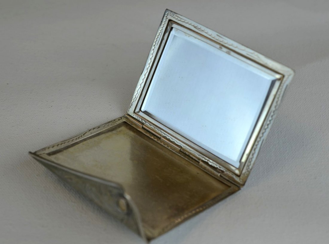 3 Vintage Mother of Pearl & Metal Makeup Compacts - 7