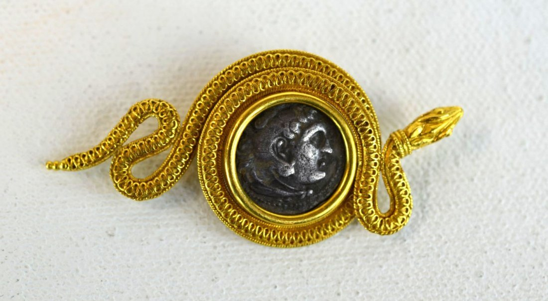 Gold Serpent-Style 18K Gold Brooch