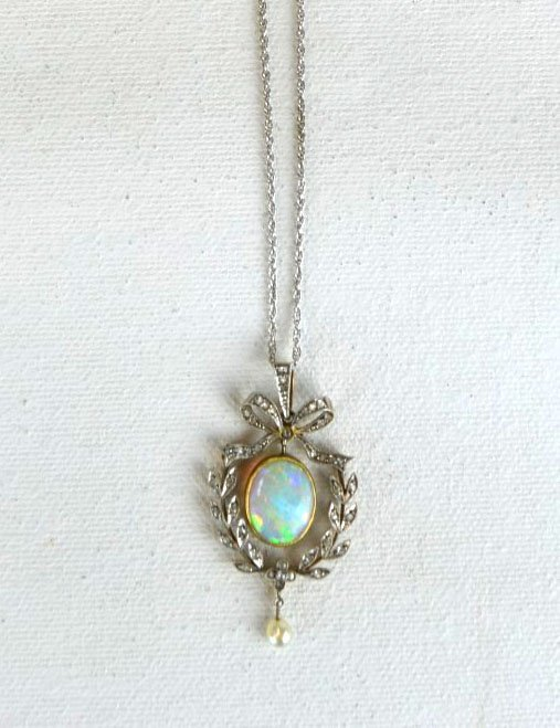 White Gold Necklace with Opal