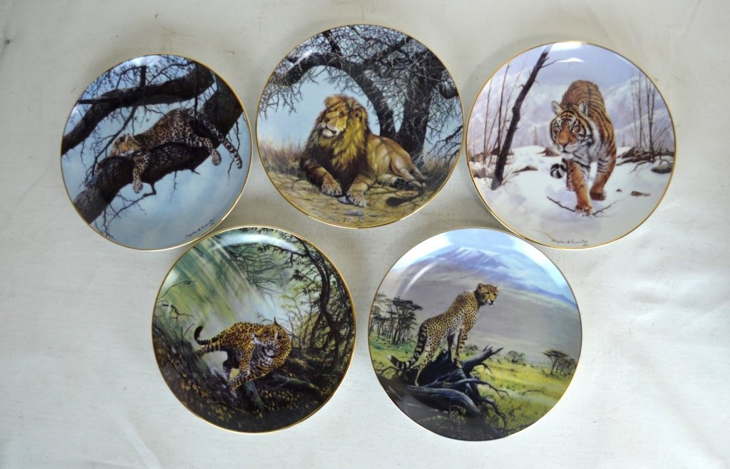 "Hamilton Collection Plates ""Big Cats of The World"""