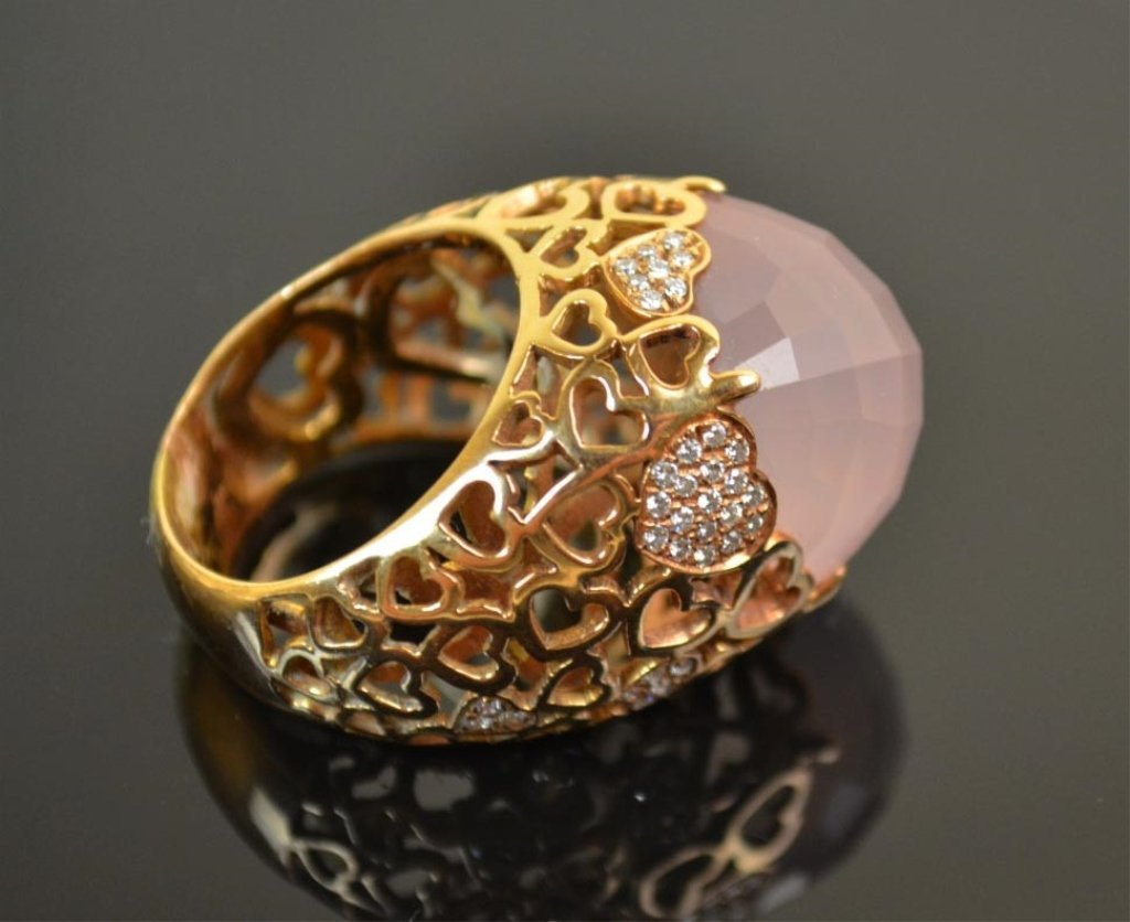 18K Gold Ring with Large Pink Stone & Diamonds