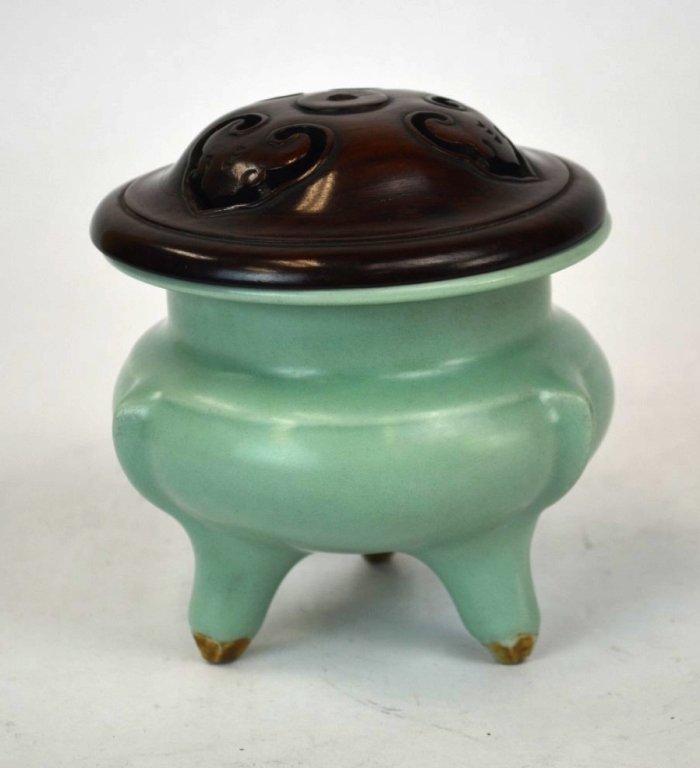 Chinese Porcelain Celadon Censer & Wood Cover
