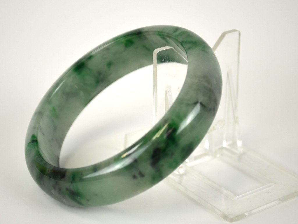 Two Chinese Jade Bangles - 8