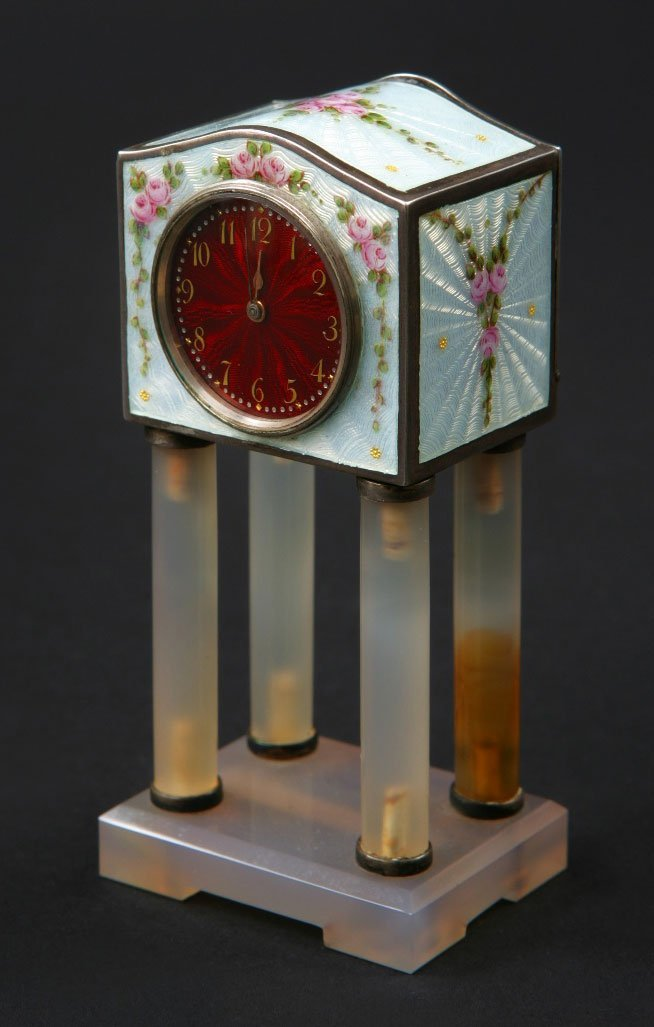 8: A fine Lady's Dressing Table Timepiece