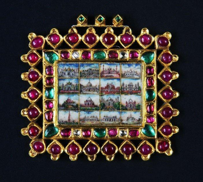 18: An Indian or Mogul high carat yellow metal plaque.