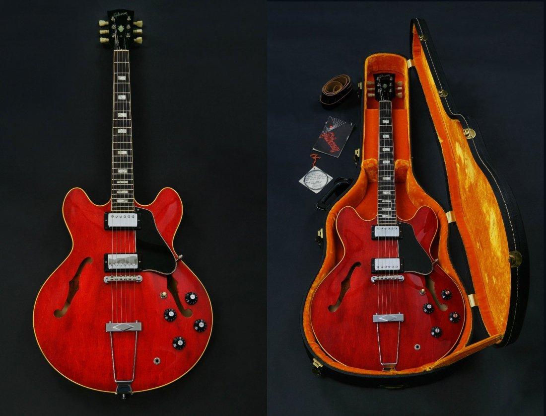 19: A 1969 Gibson Electric Guitar. ES335. with original