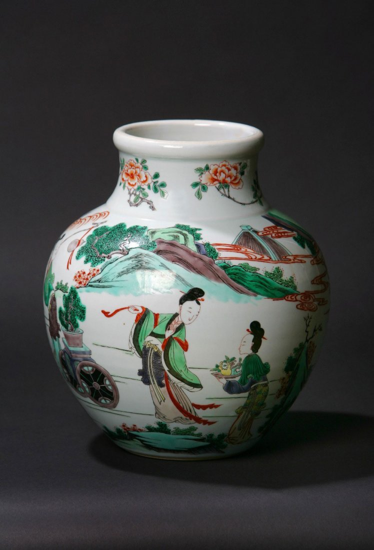 A Chinese Cantonese Famille Verte Vase. Decorated with