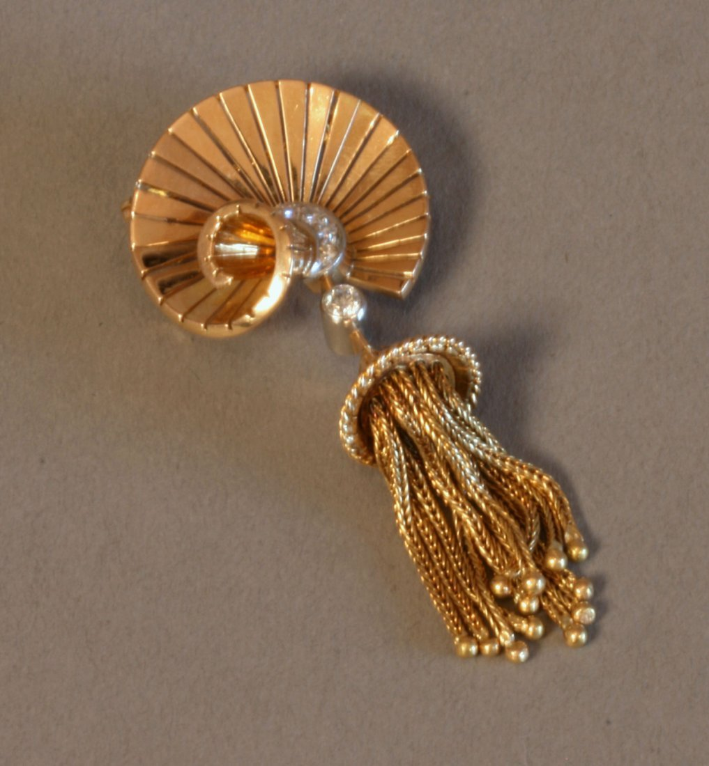 A French 18 Carat Yellow Gold and Diamond Set Brooch /