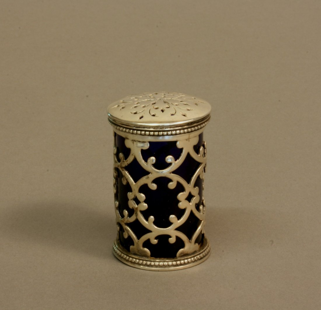 A William IV Pepper Pot. London 1836. Makers mark