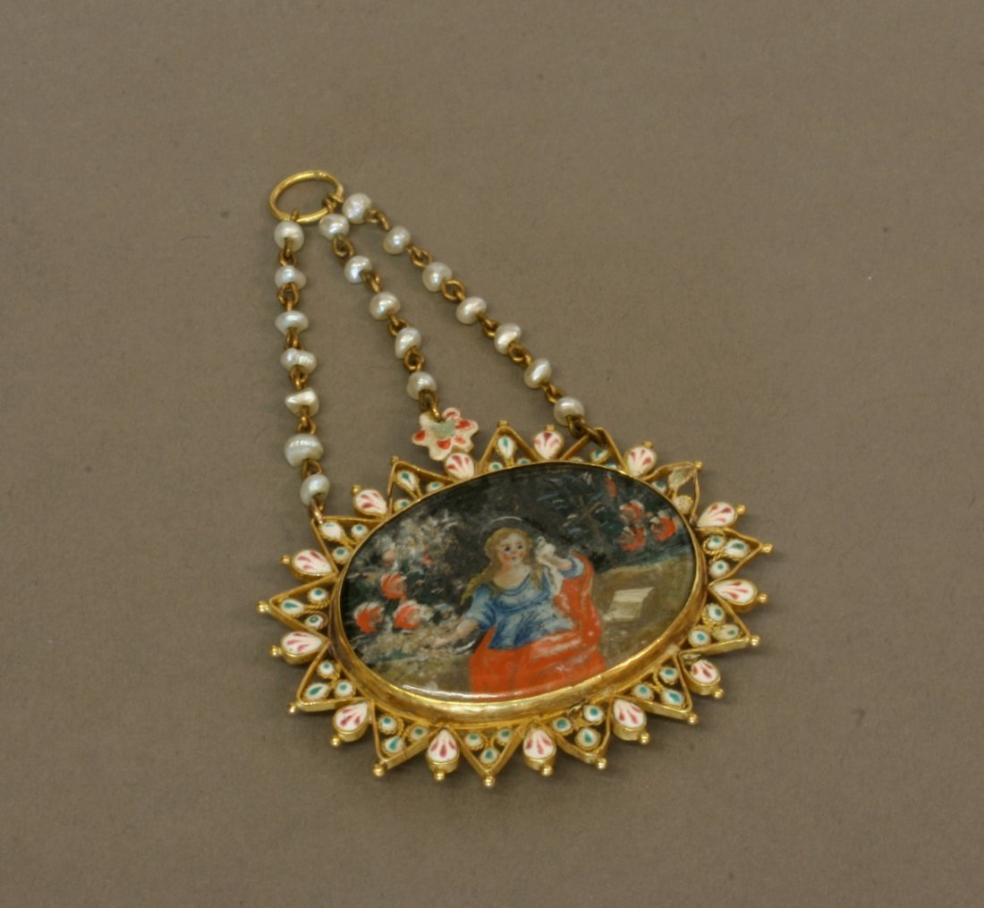 Spanish 17th Century. A Gold mounted polychrome enamel