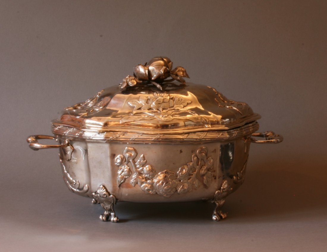 A small French silver tureen Hyacinthe Favre