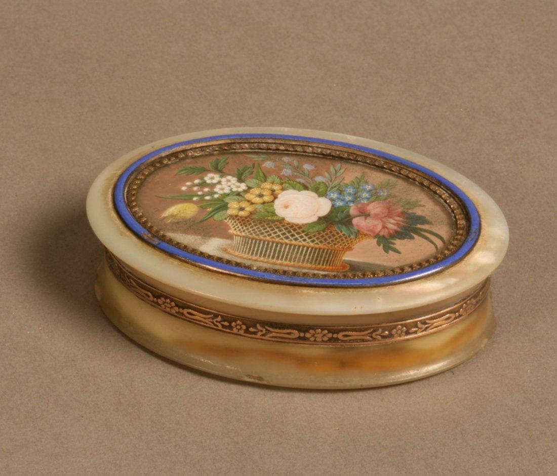 Ivory Gentleman's Snuff Box