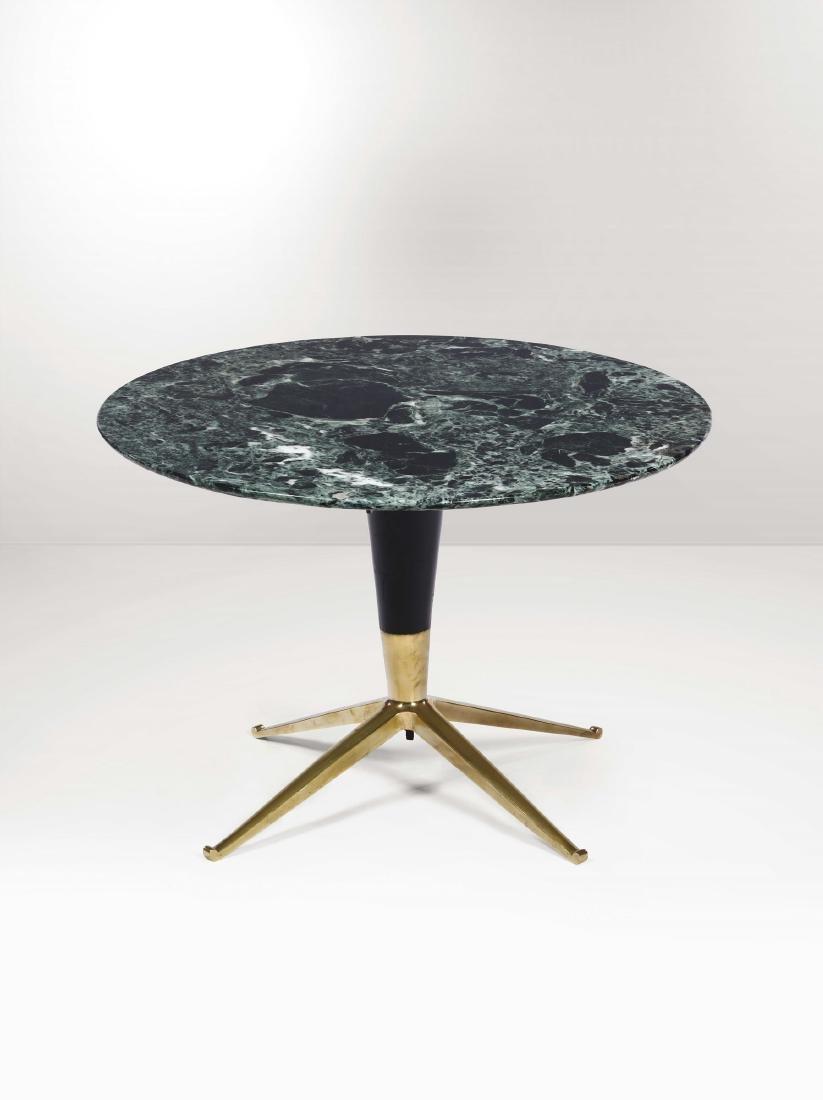 Tavolo basso con struttua in legno, supporti in ottone