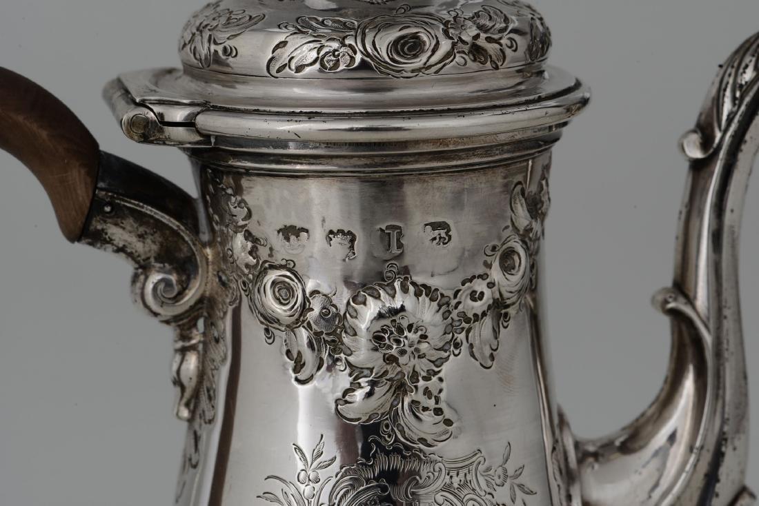 A coffee pot, London, 1740-1755 - 2