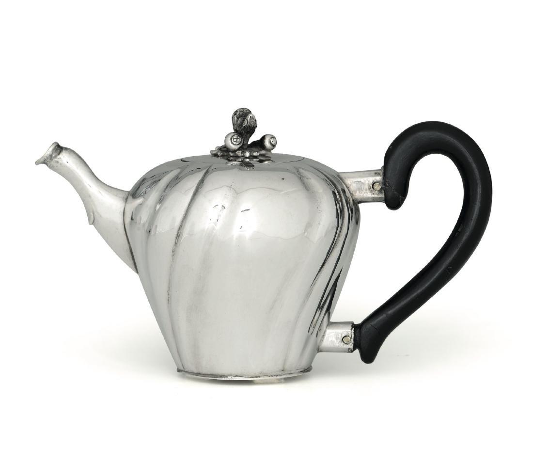 A teapot, J.C. Neuf, Ausburg, 1775-77