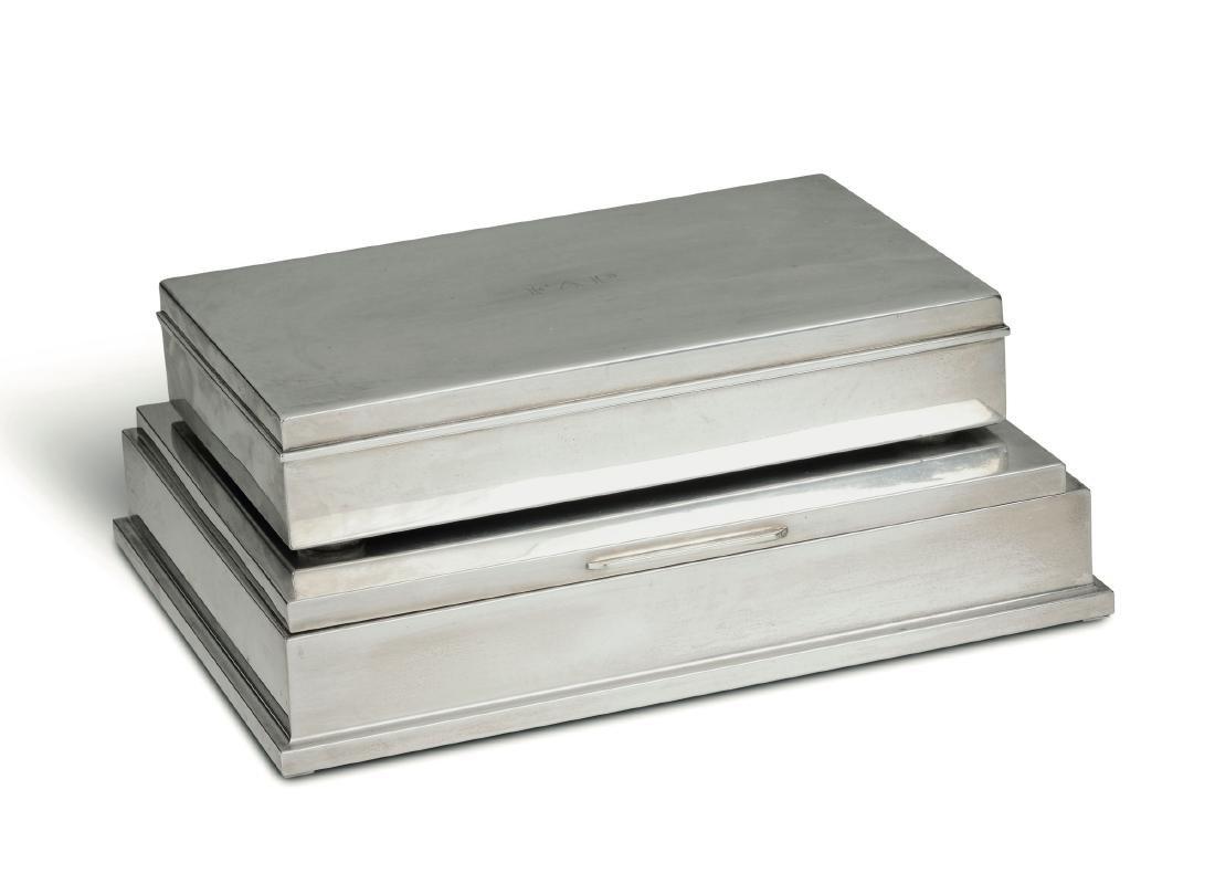 A silver cigarette box and a fiche box, 20th century