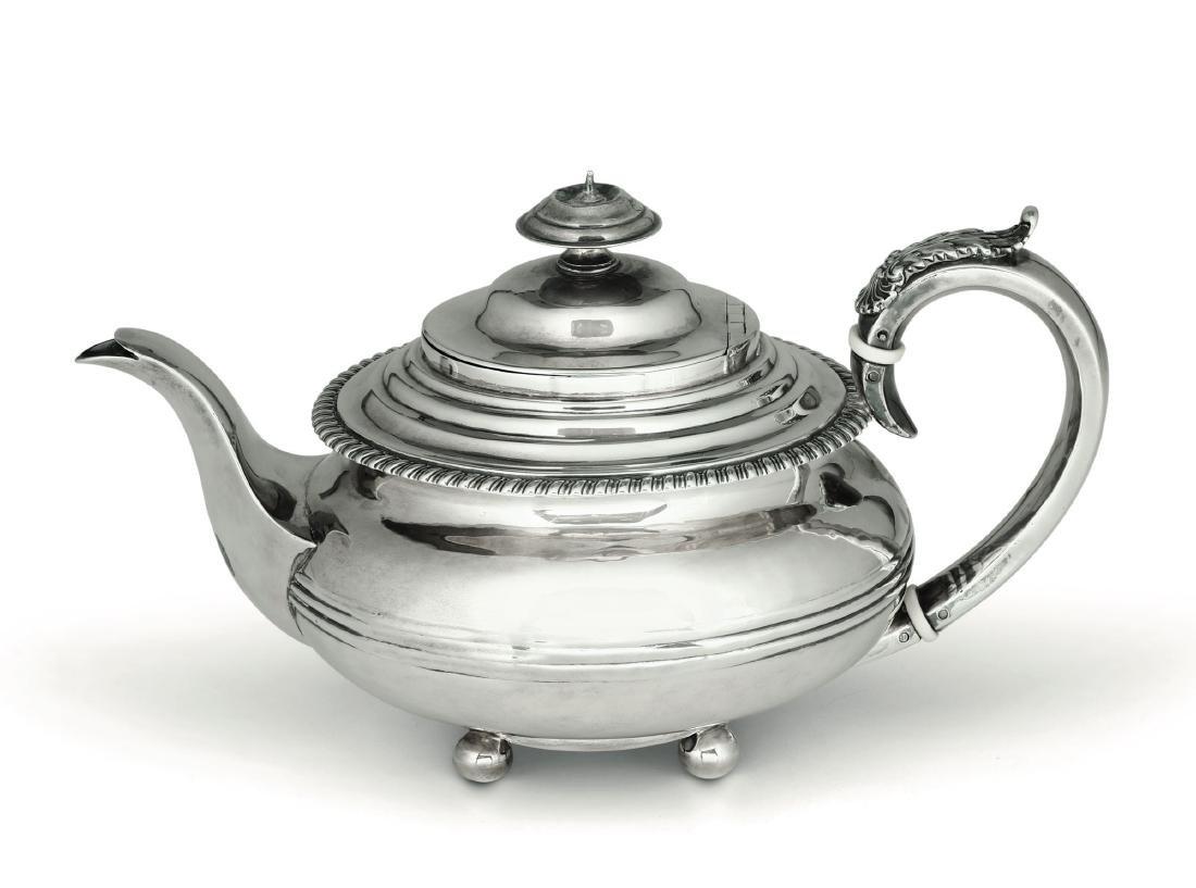Teiera in argento Giorgio IV, Londra inizio XX secolo,