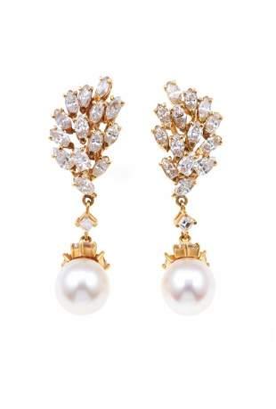Orecchini pendenti con diamanti e perle coltivate,