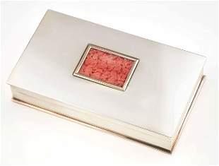 Tiffany & Co. Scatola con corallo inciso,