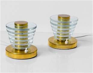 Coppia di lampade da tavolo con struttura in ottone e