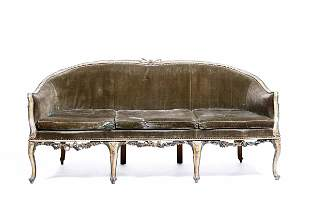 Coppia di divani in legno intagliato e laccato, Venezia