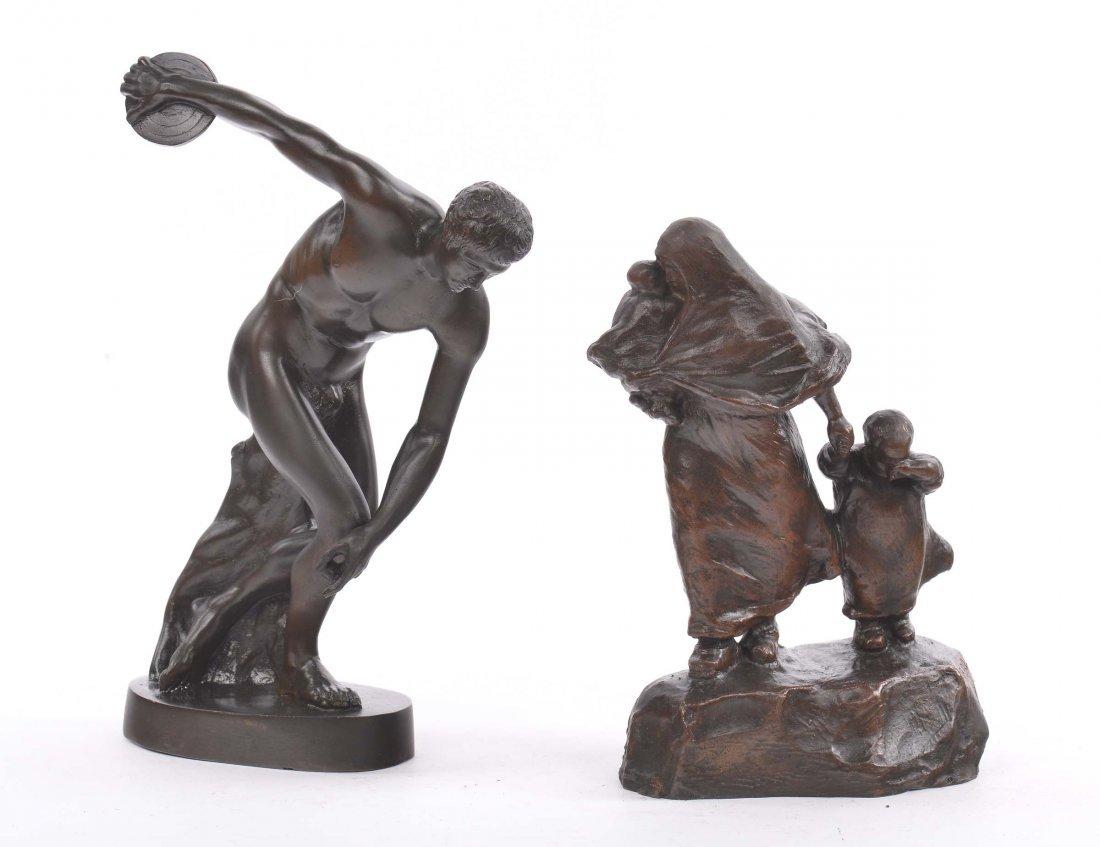 Due statuette diverse in bronzo