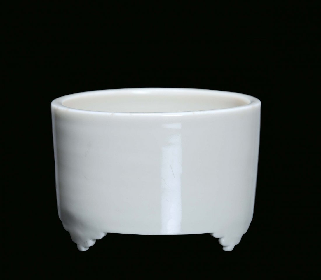 A Blanc de Chine porcelain cylindrical censer, China, D