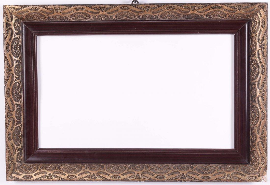 Cornice Liberty legno naturale con decori a rilievo dor