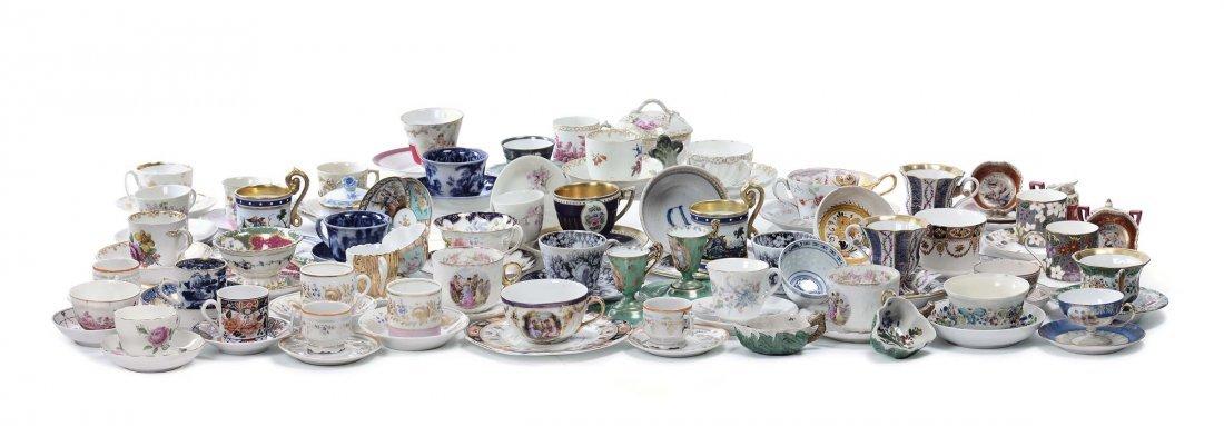 Collezione di tazzine in porcellana