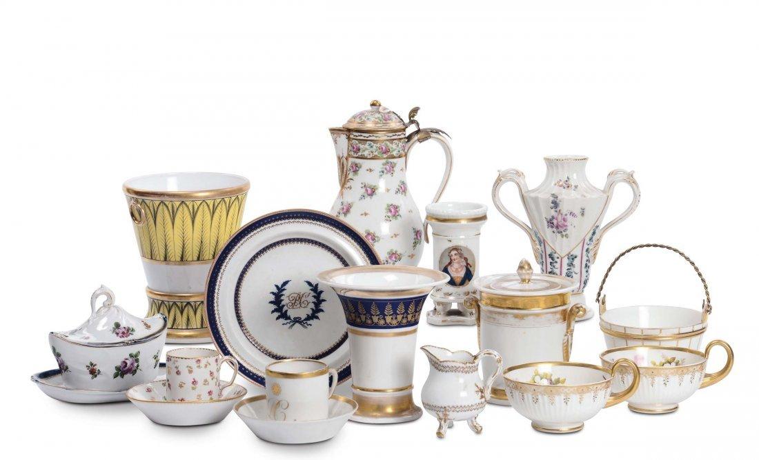 Lotto di oggetti in porcellana, XVIII-XIX secolo