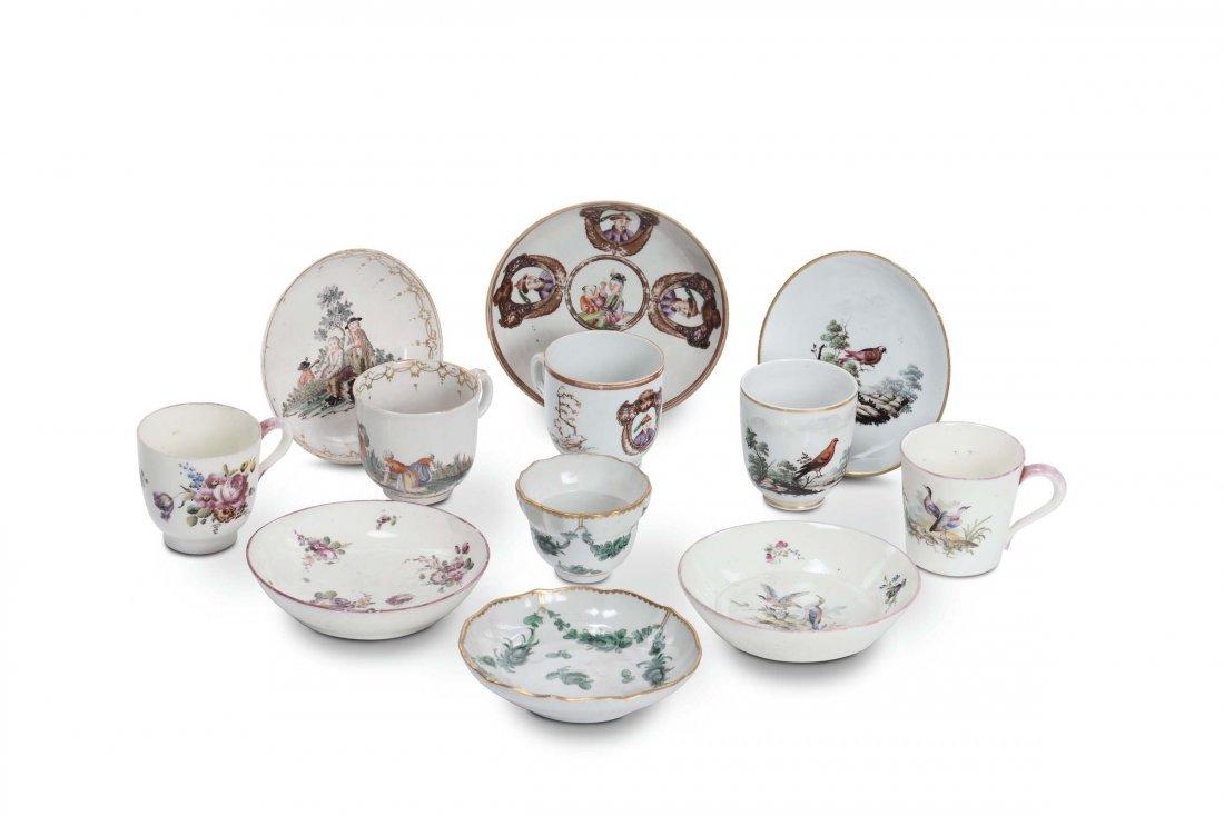 Lotto di sei tazzine in porcellana, fine XVIII