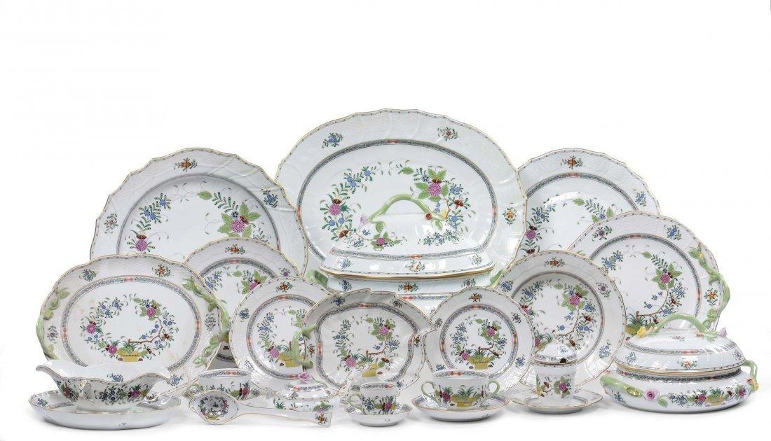 Servizio piatti da dodici in porcellana Herend