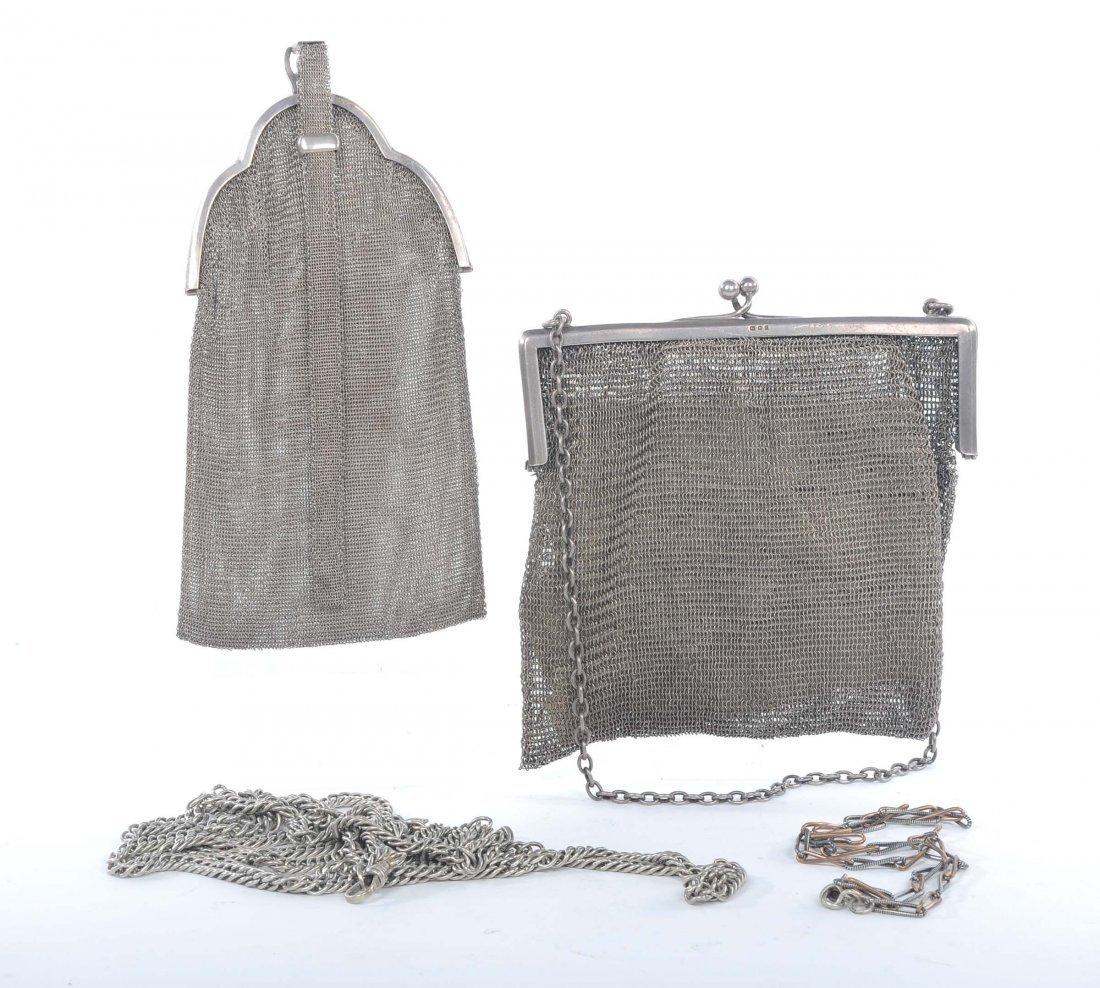 Lotto composto da due borse in maglia di argento e due