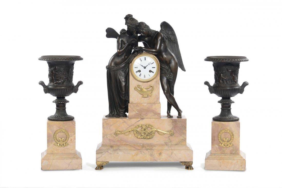 Trittico da camino composto da grande orologio marmo e