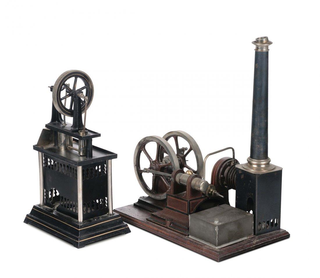 Due modelli di macchina a vapore e un regolatore di