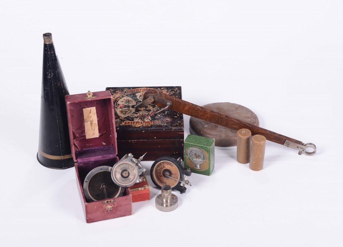 Gruppo di testine da grammofono e fonografo e altri