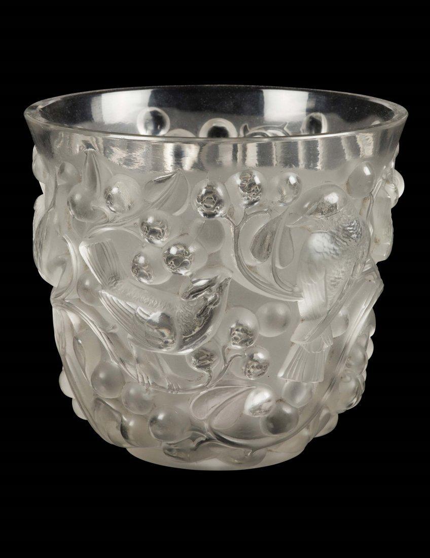 """René Lalique (1860-1945), France, """"Avallon"""" vaso,"""