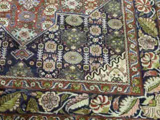 24: SENNAH RUG.  Approx. 8 ft. 7 in. x 5 ft. - 2
