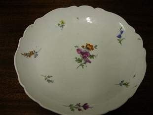 Meissen Dinner Plates with Scalloped Ed