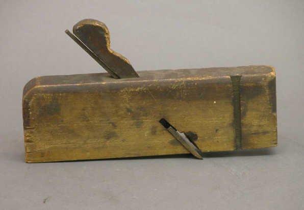 4014: 19th Century Wood Plane