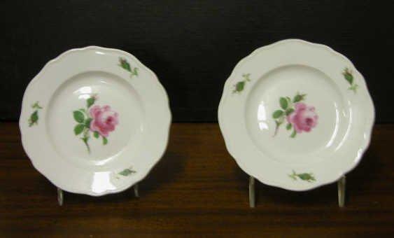 4024: Meissen Rose Plates