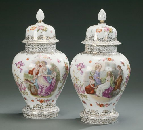 17: A PAIR OF CONTINENTAL PORCELAIN JARS, 19t
