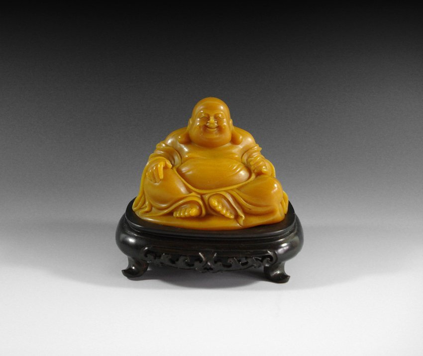 AN CHINESE  SHOUSHAN STONE BUDDHA FIGURE WITH STAND