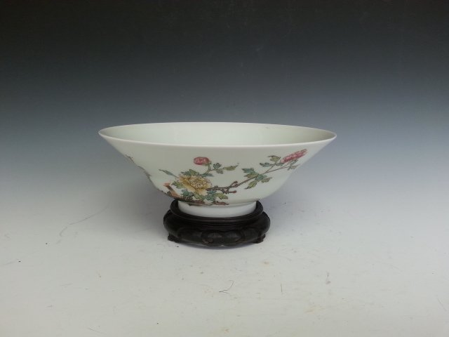 A PORCELAIN FLOWERS AND BIRD BOWL