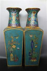 A PAIR OF CHINESE CLOISONNE VASE.